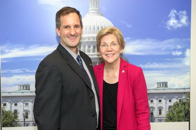 MIT Atmospheric Chemist Dan Cziczo meets with Senator Elizabeth Warren (D-Mass.) during a Congressional Visit Day. (Courtesy of Dan Cziczo)