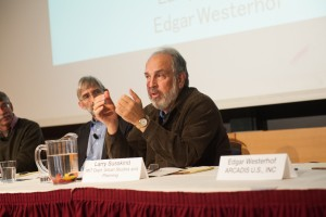 MIT Professor Larry Susskind talks reconciling conflicting water values at the MIT Water Summit. (Courtesy of MIT Water Club).
